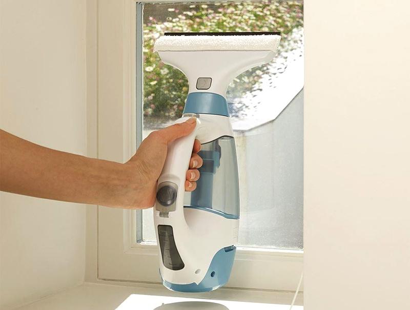 Аккумуляторный пылесос для мытья окон BLACK&DECKER WW100K